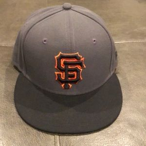 Gray and black San Francisco Giants new ear hat